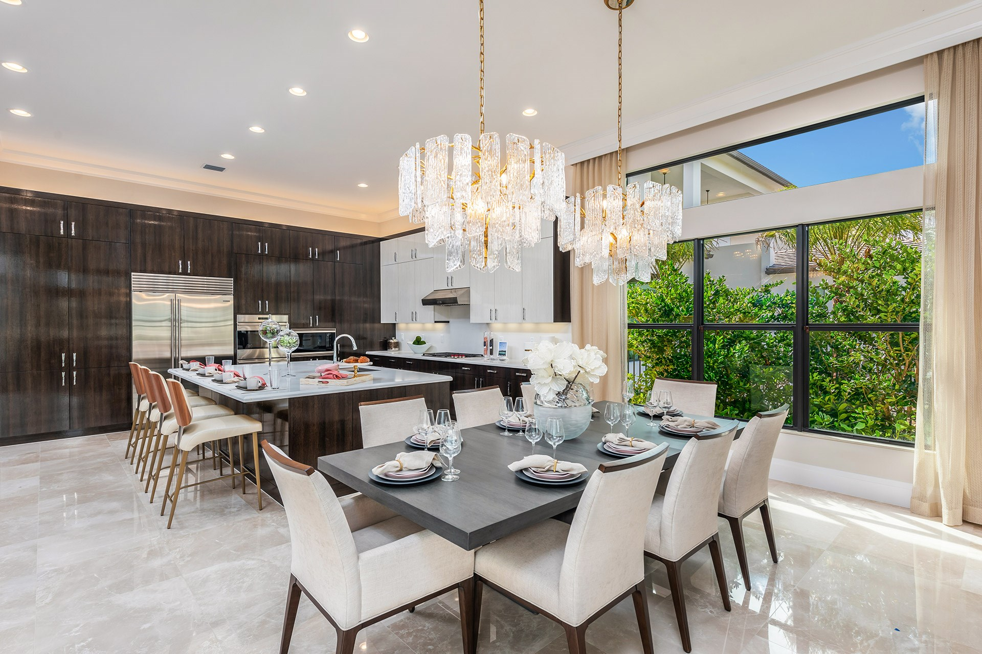 Murano Contemporary Dining Room and Kitchen