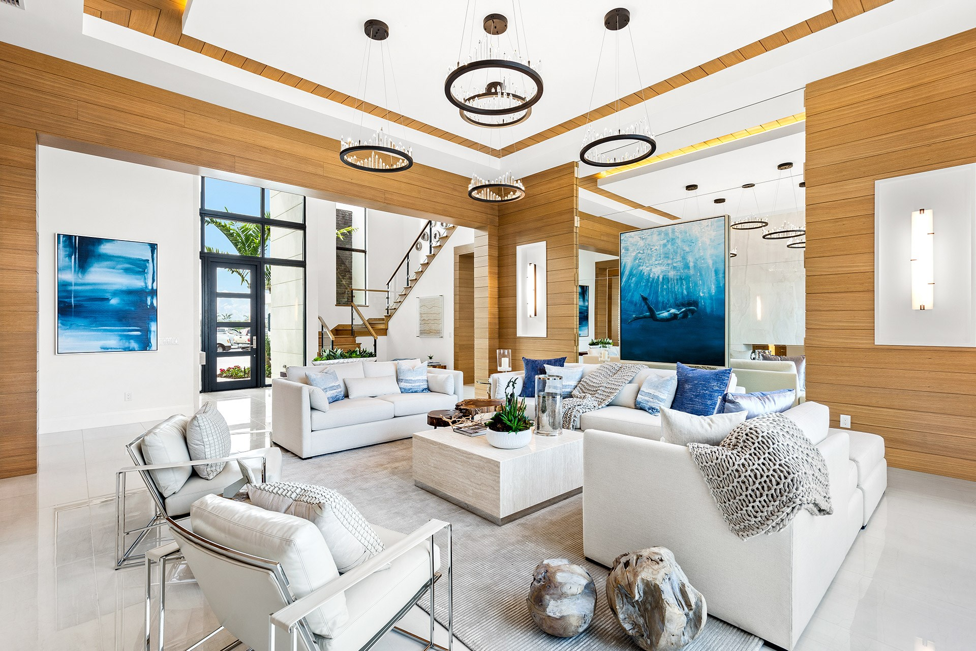 Vanderbilt Grande Contemporary Living Room