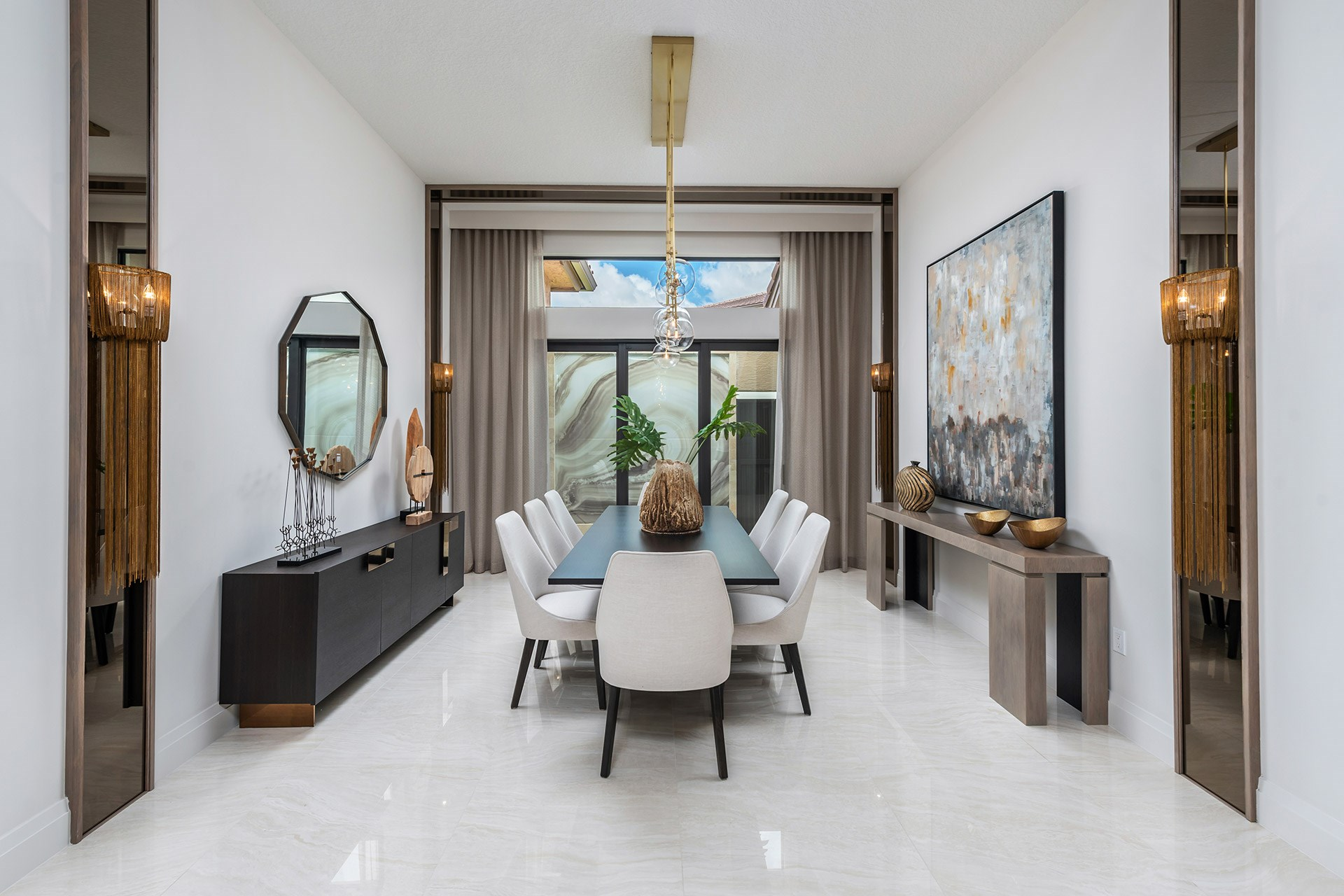 Sevilla Contemporary Dining Room